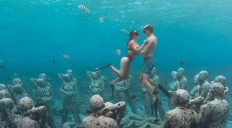 patung dalam laut gili trawangan