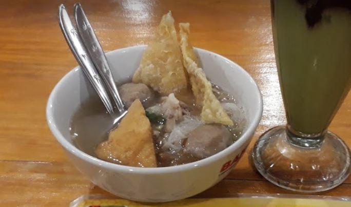 10 Tempat Makan Bakso Paling Enak di Jakarta Pusat